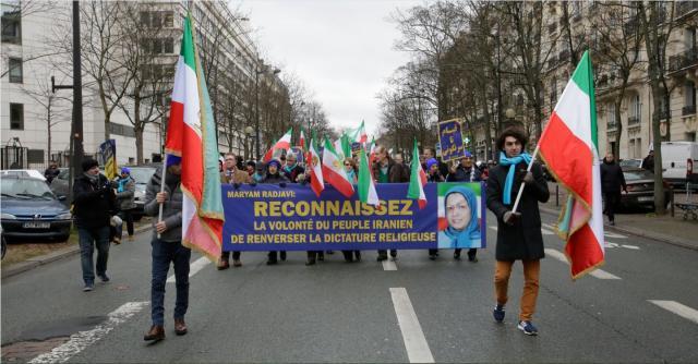Manifestation du 8 février 2019 de l'opposition iranienne à Paris à la veille du 40e anniversaire de la révolution contre le chah