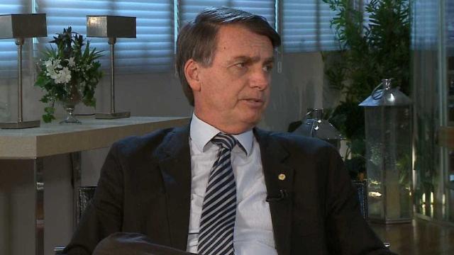 No SBT, presidente Bolsonaro evitou falar sobre o apoio do PSL à reeleição de Maia na Câmara- (Foto: Reprodução/RedeTV!)
