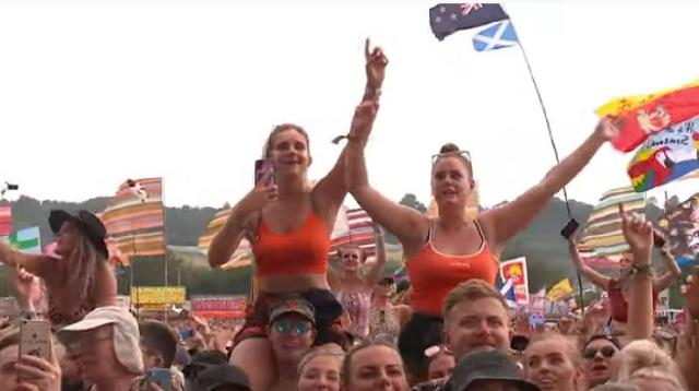 Greatest crowd moments at Glastonbury 2019. [Image source/BBC Music YouTube video]
