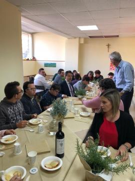 Giuseppe Conte a pranzo con i ragazzi della Cooperativa LAI
