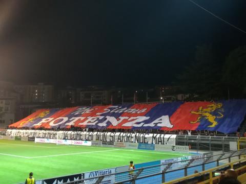 File:Potenza Calcio Supporters 2018.jpg - Wikipedia - wikipedia.org
