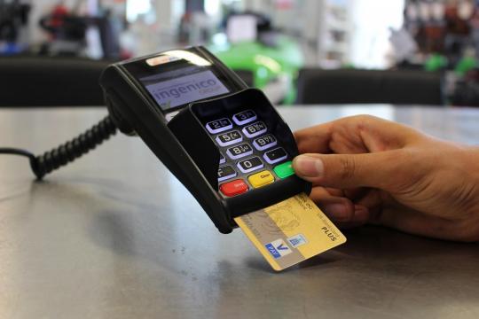 Bonus 475 euro, cashback e incentivi pagamenti bancomat nel DEF ... - notizieora.it