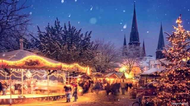 Visit the Christmas markets of Europe this year [Image PxHere]