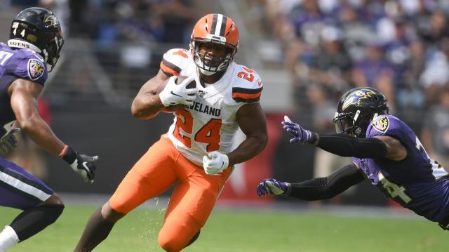 Chubb liquidó a los Ravens por tierra con 165 yardas. - www.usatoday.com