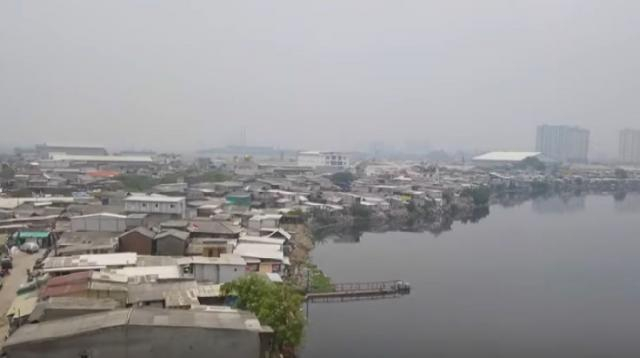 Indonesia's sinking capital Jakarta to be relocated. [Image source/FRANCE 24 English YouTube video]