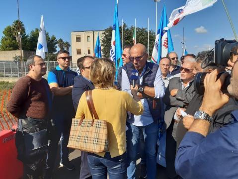 Protesta dinanzi alla Casa Circondariale