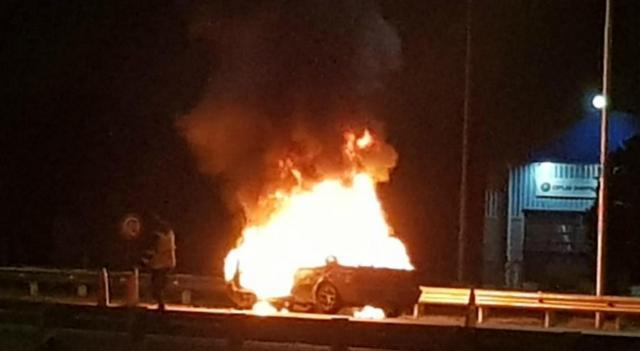 Circunvalación | Se incendió un vehículo en Circunvalación | La Voz - com.ar