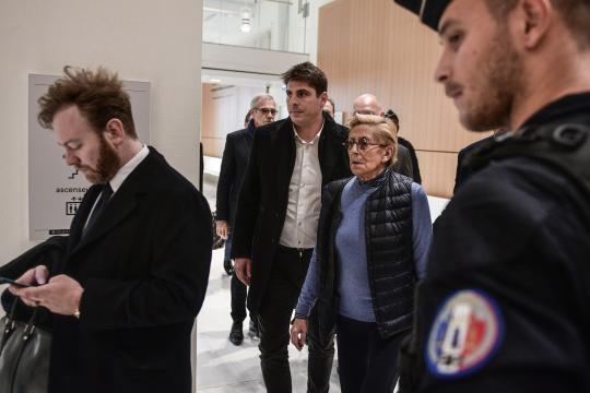 Blanchiment : 5 ans de prison pour Patrick Balkany, 4 ans pour son ... - parismatch.com