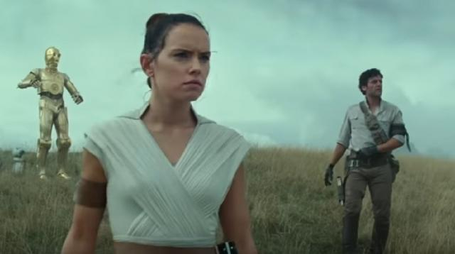 What critics are saying about Rise Of Skywalker. [Image source/Looper YouTube video]