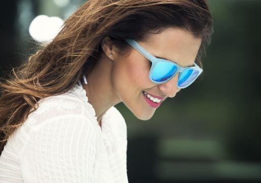 Paula Echevarría x Hawkers · Indigo Blue ONE LS en 2019 | Gafas de ... - pinterest.com