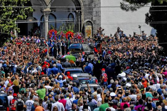 Funerali di un carabiniere (archivio).