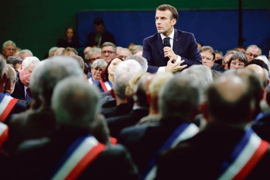 Le débat marathon d'Emmanuel Macron avec les maires | Le Figaro ... - newsstandhub.com
