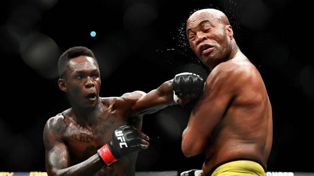 Adesanya podría ser el próximo retador al título mediano. www.sportingnews.com