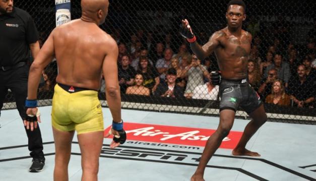 El show de ambos estuvo presente en toda la pelea. www.fightsports.tv