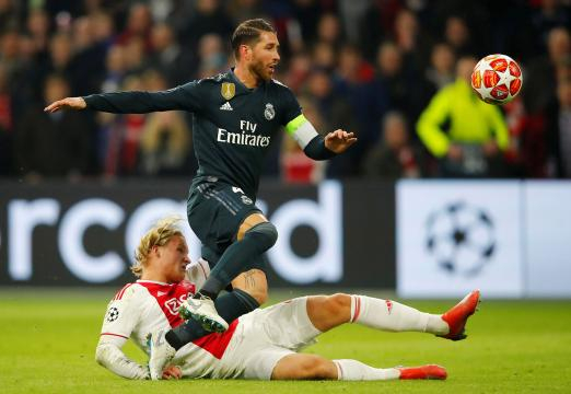 Polémica con Sergio Ramos en la Champions: forzó una tarjeta ... - apuntoenlinea.com