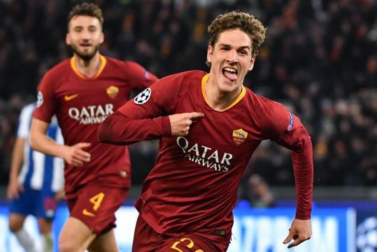 Zaniolo metió un doblete importante para la Roma en la ida vs el Porto. www.standard.co.uk