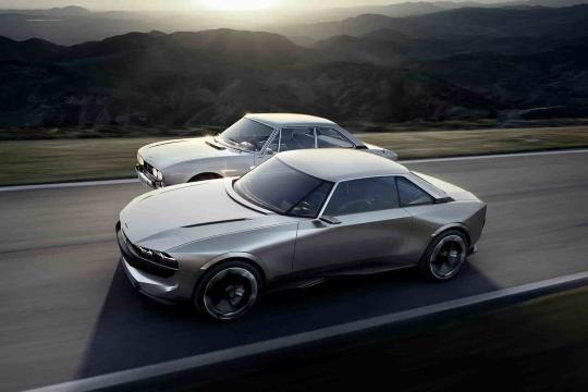 Peugeot e-Legend e Volkswagen ID, il futuro è elettrico