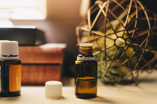 L'aromathérapie : l'usage des huiles essentielles comme médecine alternative bénéfique