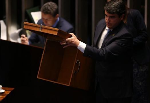 Escrutinadores computam votos dos senadores ao pleito neste sábado (2) I Galeria BN