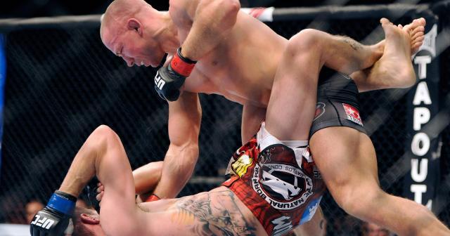 La pelea que tuvo St-Pierre vs Condit, es recordada como una de las mejores de su carrera.www.usatoday.com