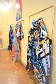 opere d'arte indossabili esposte percorso creativo