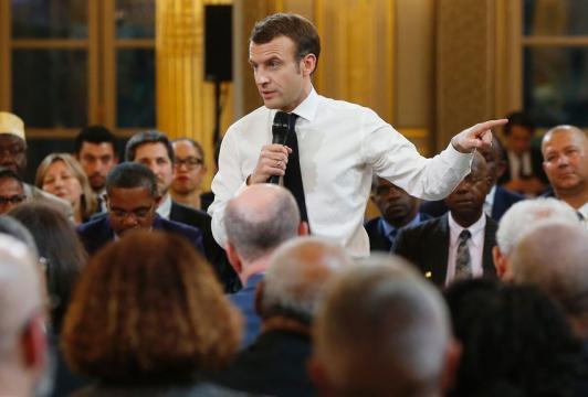 Macron porte le grand débat en banlieue - laprovence.com