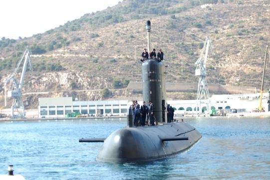 El submarino Tramontana zarpa a una misión internacional de patrulla