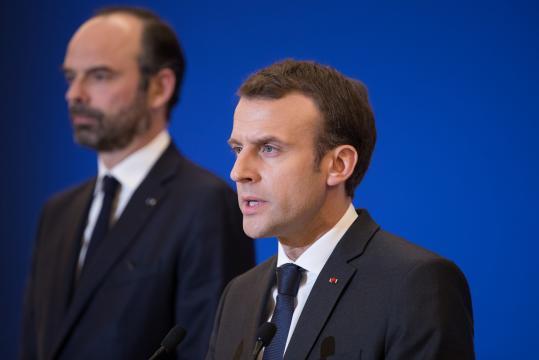 La cote de popularité d'Emmanuel Macron et Édouard Philippe en hausse - rtl.fr