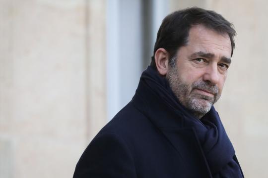 Polémique sur les LBD : Castaner dote les forces de l'ordre de ... - lefigaro.fr