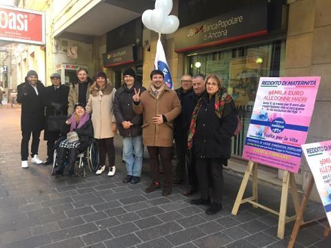 Mille euro alle mamme italiane è la proposta del Popolo della Famiglia