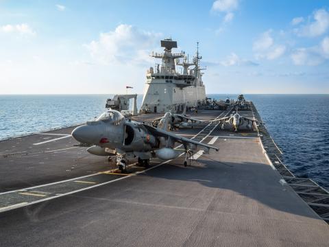 La Armada aporta al ejercicio su portaaviones Juan Carlos I con su dotación de cazas Harrier