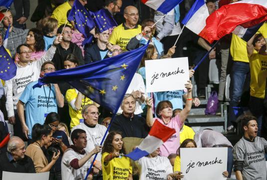 Macron face au danger d'une majorité trop large - latribune.fr