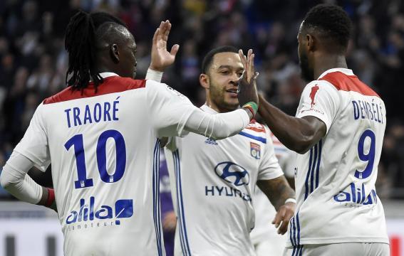 Ligue 1 : Lyon se rebelle et se promène face à Toulouse (5-1) - yahoo.com
