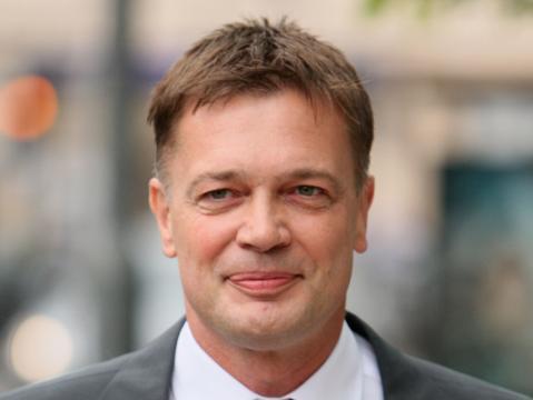 Andrew Wakefield, médico responsável pela relação entre Autismo e Vacina Tríplice. (Foto: Reprodução)
