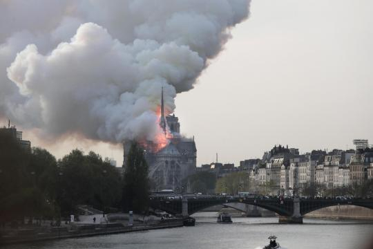 Incendio a Notre-Dame (Panorama - panorama.it)