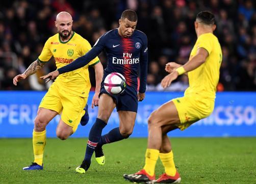 Ligue 1 : le PSG s'en va affronter Nantes pour tenter de soulever le titre - 1
