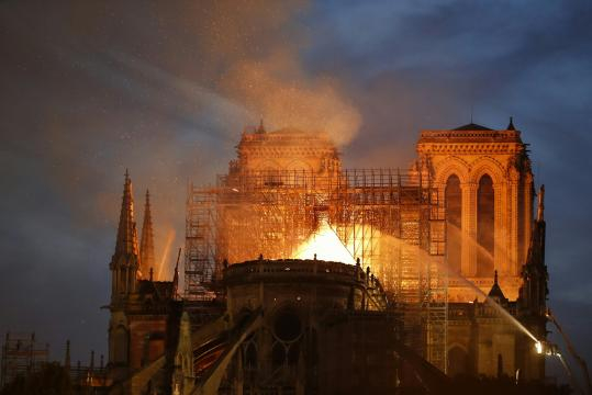 Notre-Dame de Paris ravagée par un violent incendie