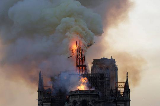 Notre Dame: jihadisti esultano per l'incendio di Parigi - tpi.it