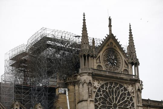 Notre-Dame la mattina dopo l'incendio (Panorama - panorama.it)