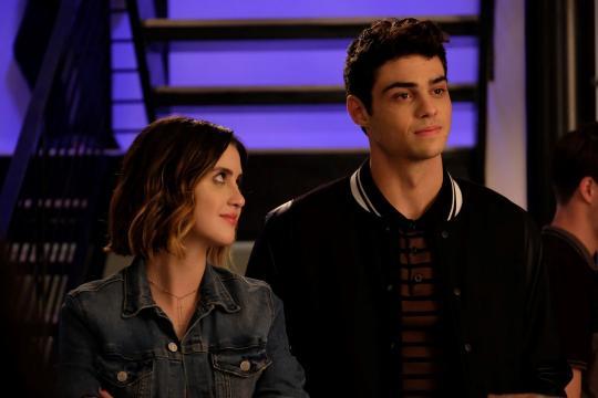 Laura e Noah já trabalharam juntos na série 'Austin & Ally' (Divulgação/Netflix)