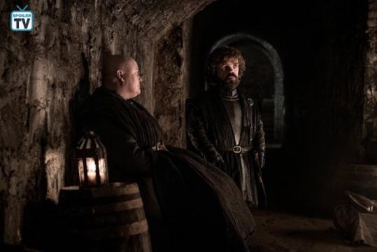 Tyrion e Varys nelle cripte di Grande Inverno