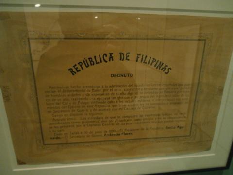Edicto del presidente filipino Aguinaldo que honraba a los