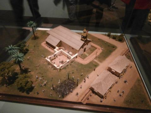 Maqueta del asedio, los soldados españoles se fortificaron en la iglesia para repeler al enemigo