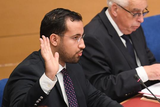 Affaire Benalla : trois proches collaborateurs de Macron convoqués ... - rtl.fr