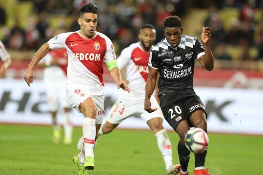 Coupe de la Ligue : Guingamp-Monaco et Strasbourg-Bordeaux en demi ... - rtl.fr