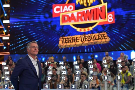 Ciao Darwin 8 batte La Corrida.. - fanpage.it
