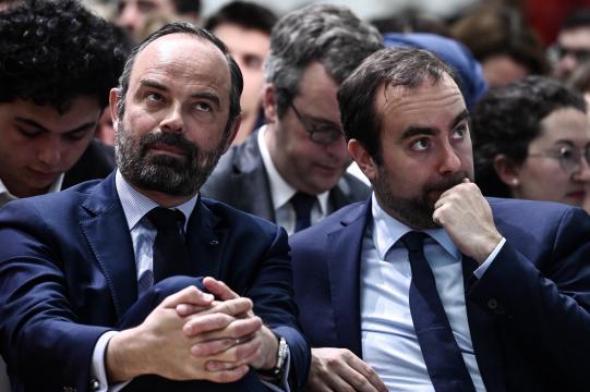 Grand débat: Édouard Philippe interrompu par un mécontent - titrespresse.com
