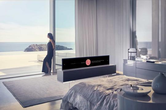 CES 2019: LG svela il primo TV OLED arrotolabile al mondo
