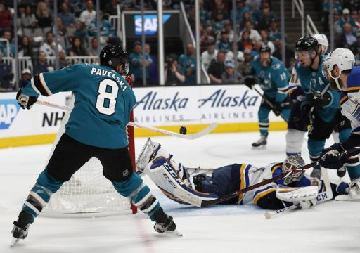 Pavelski anotó un gol en un power play en el primer periodo. www.globalnews.ca