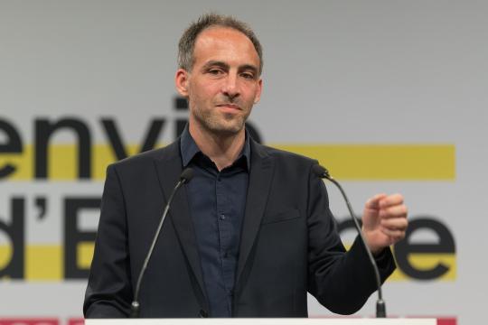 Européennes : les poids lourds de gauche à la rescousse de Glucksmann - parismatch.com